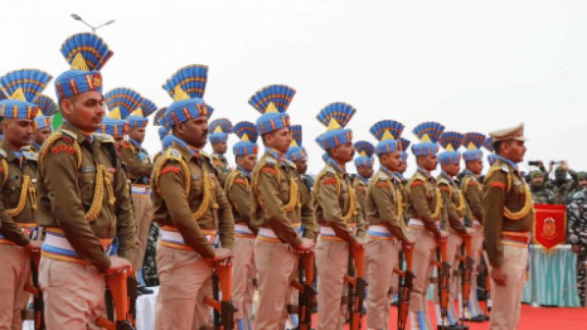 Vacancy in UP: उत्तर प्रदेश में निकली हेड कांस्टेबल की वैकेंसी, ऐसे करें आवेदन