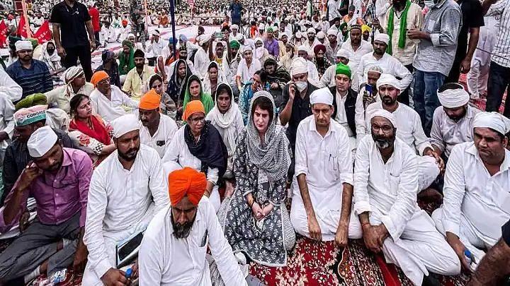 Lakhimpur Violence: लखीमपुर खीरी में किसानों की अंतिम अरदास में शामिल हुईं प्रियंका गांधी, सिख संगठन ने किया विरोध