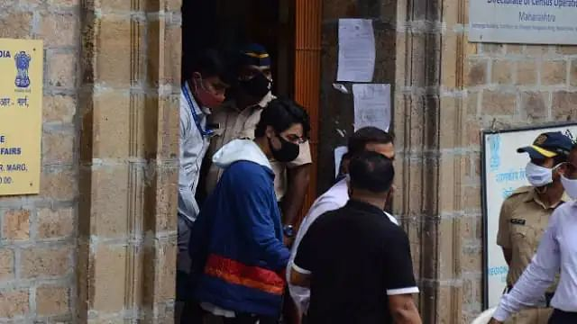 Drugs Case: आर्यन खान के ड्राइवर पर भी NCB की नज़र, भेजा गया समन