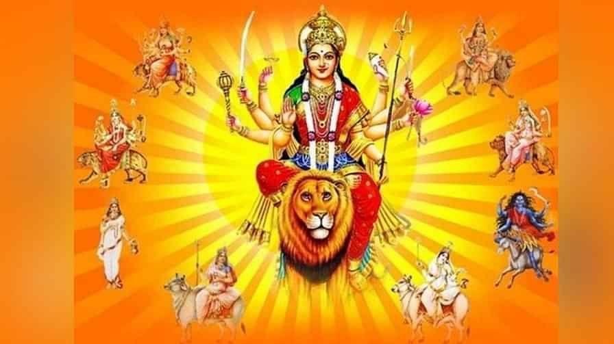 Shardiya Navratri 2021: मां दुर्गा का पांचवा स्वरूप है मां स्कंदमाता, इस तरह करें पूजा